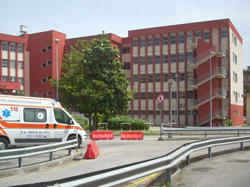 """Covid, tre anziani vaccinati in terapia intensiva a Scafati. Tozzi: """"Serve terza dose"""" - Salernonotizie.it"""